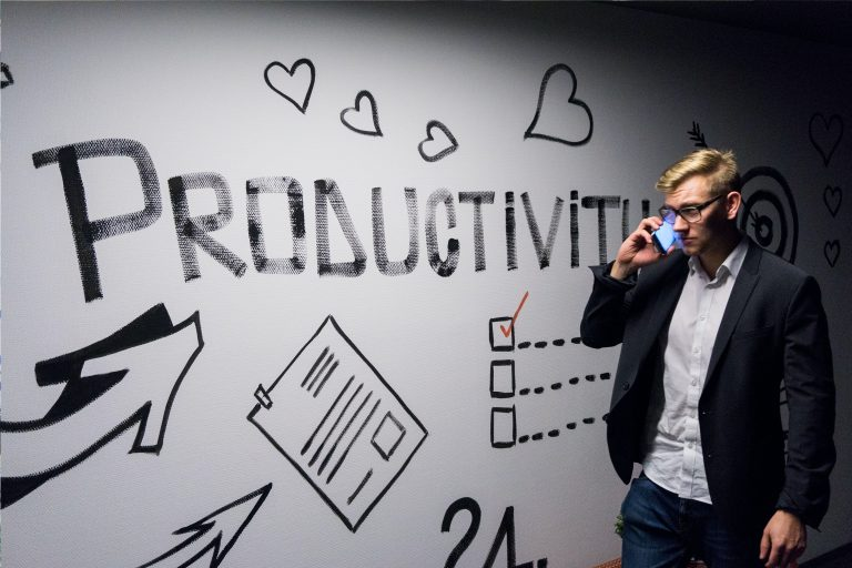 how to be more productive in a world of distraction